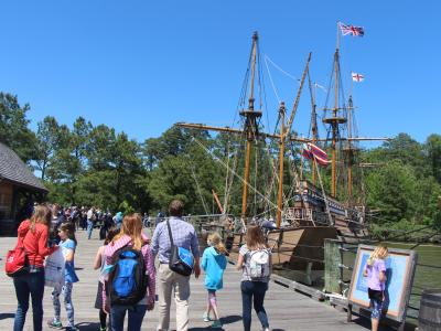 photo of students visiting Jamestown